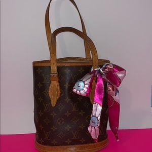 Louis Vuitton bucket bag purse